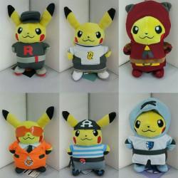 Peluche Pikachu Cosplay Team Rocket, Team Aqua, Team Magma, Team Galaxie, Team Plasma, Team Flare