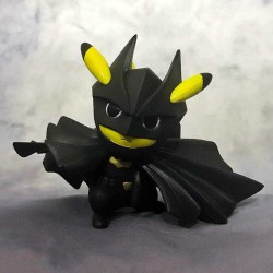 Figurine Pikachu Super Hero Batman 12cm